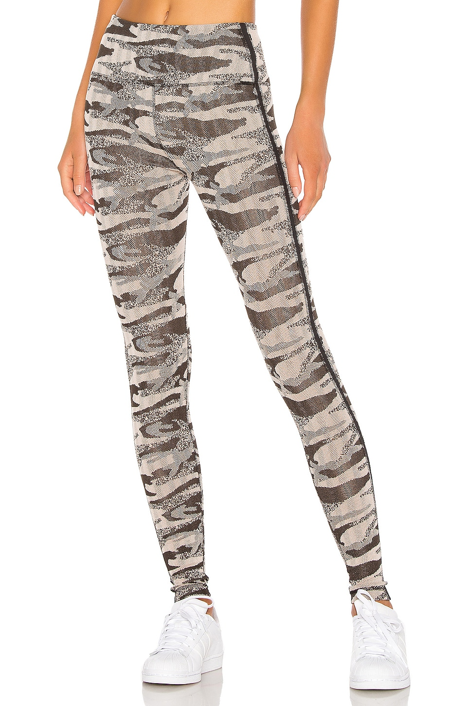 lukka lux Camo Legging in Court Camo