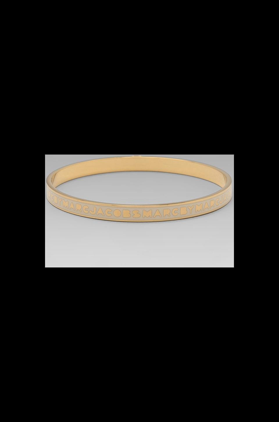 Marc by Marc Jacobs Classic Marc Skinny Logo Bangle in Cream (Oro)