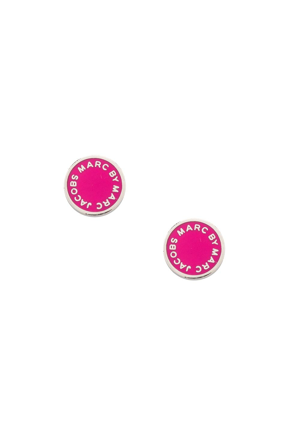 Marc by Marc Jacobs Enamel Logo Disc Studs in Pop Pink (Argento)