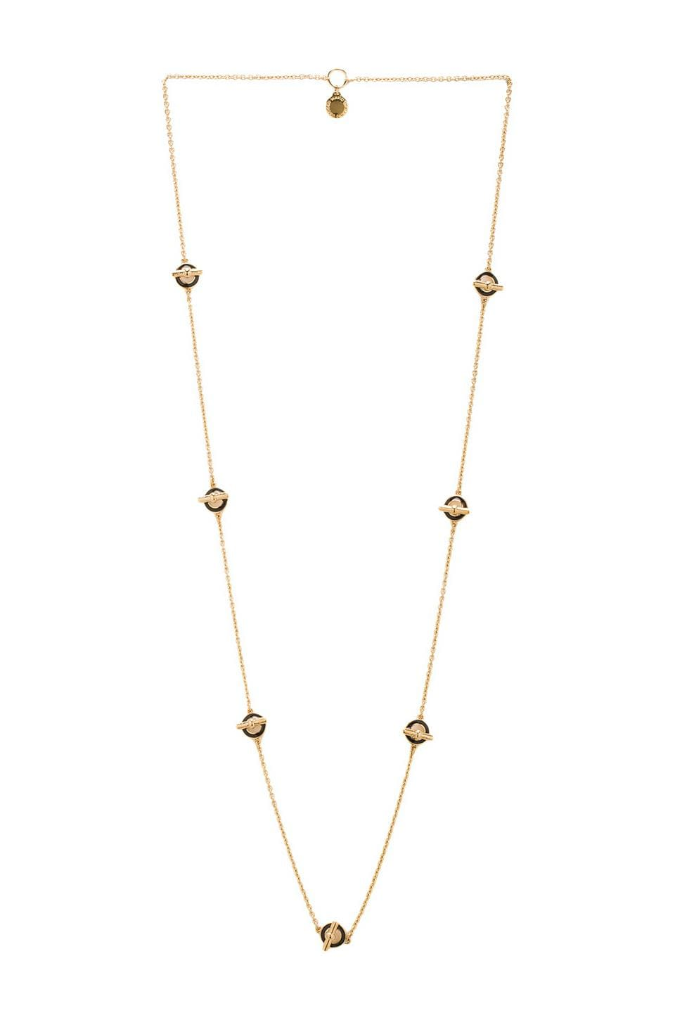 Marc by Marc Jacobs Tiny Enamel Toggle Necklace in Black (Oro)