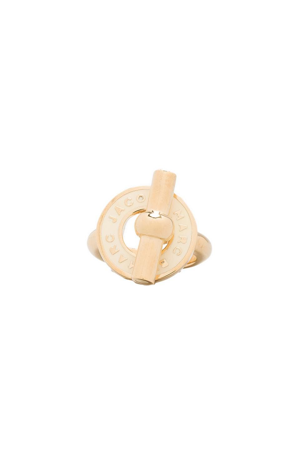 Marc by Marc Jacobs Enamel Toggle Ring in Cream (Oro)