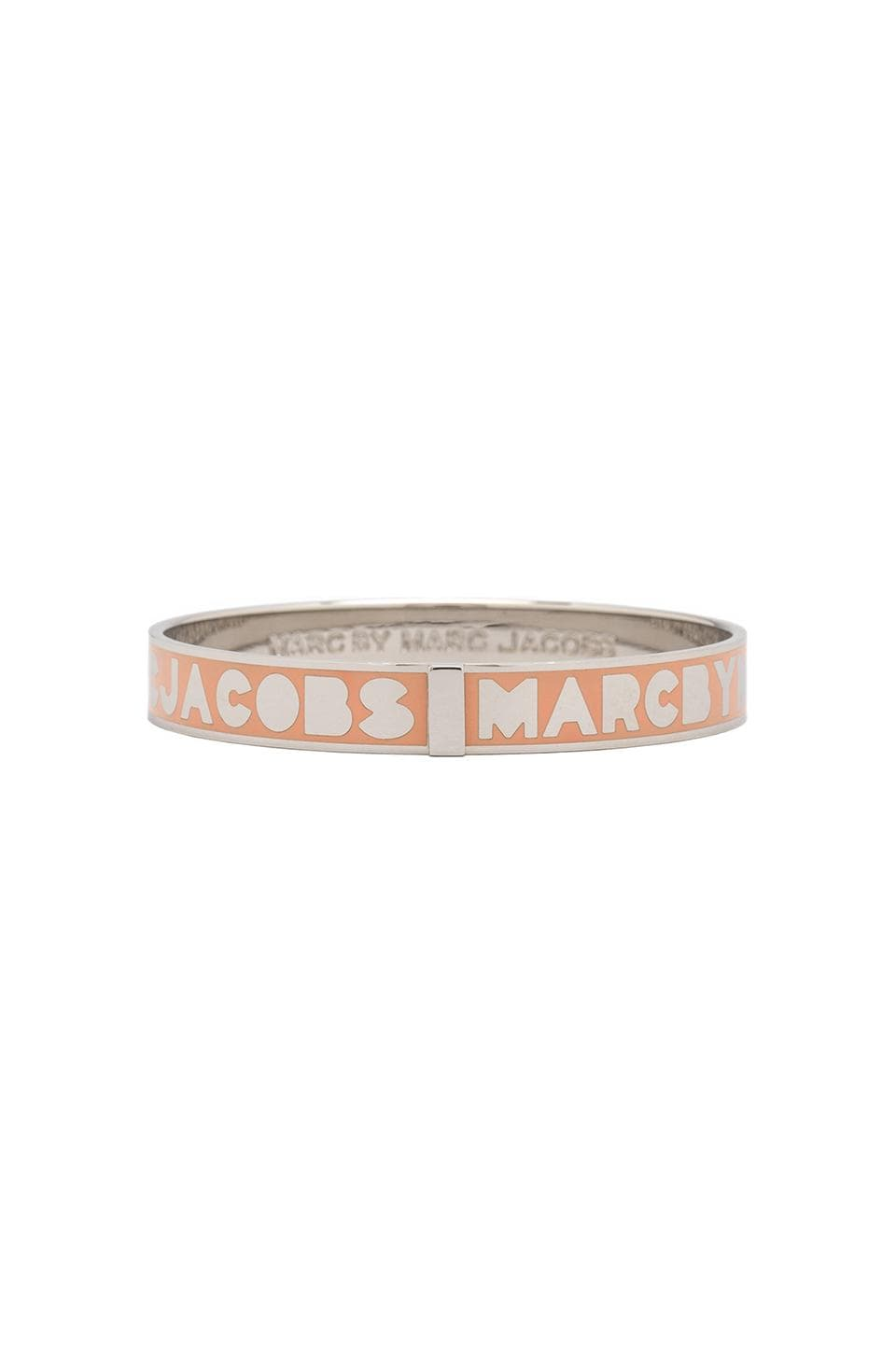 Marc by Marc Jacobs Logo Bangle in Rouge (Argento)