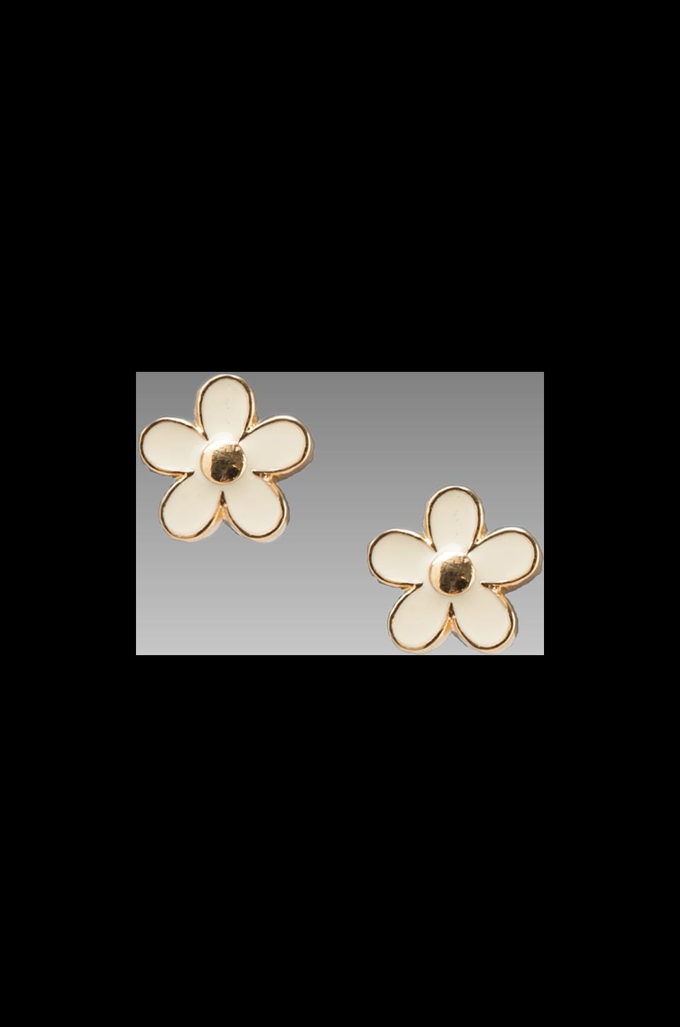 Marc by Marc Jacobs Daisy Stud Earrings in Cream Oro