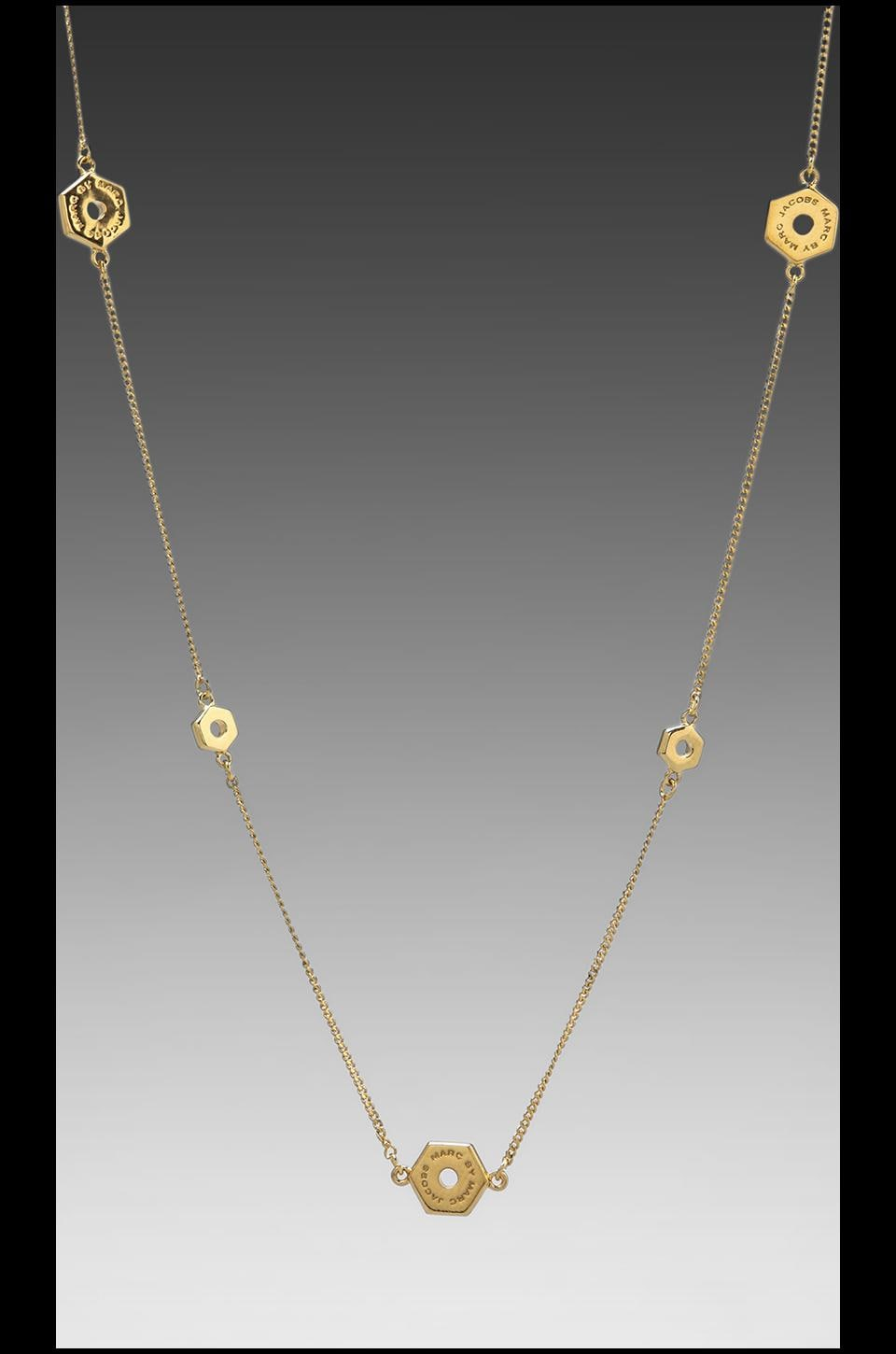 Marc by Marc Jacobs Long Bolt Necklace in Oro