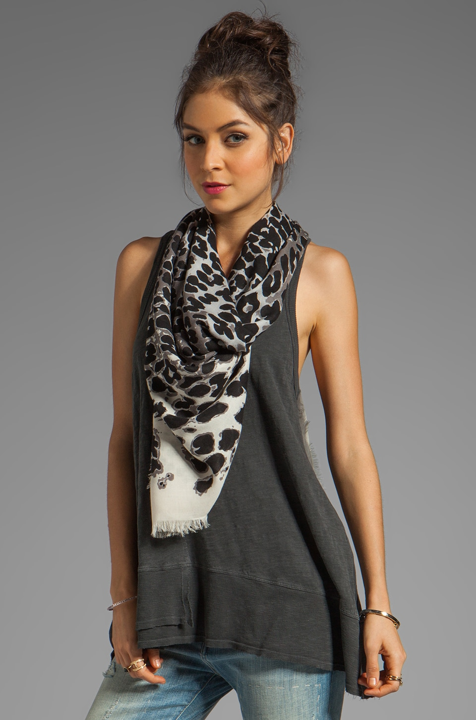 Marc by Marc Jacobs Jaguar Scarf en Elephant Grey Multi