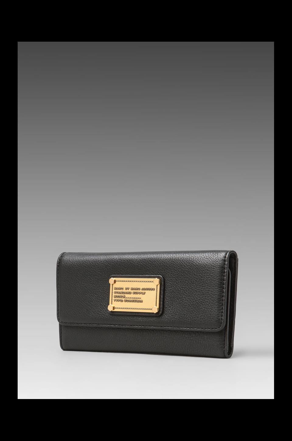 Marc by Marc Jacobs Classic Q Core Long Trifold Wallet in Black