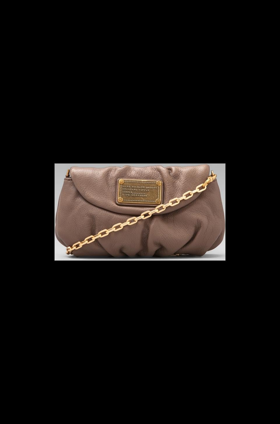 Marc by Marc Jacobs Classic Q Karlie in Rootbeer