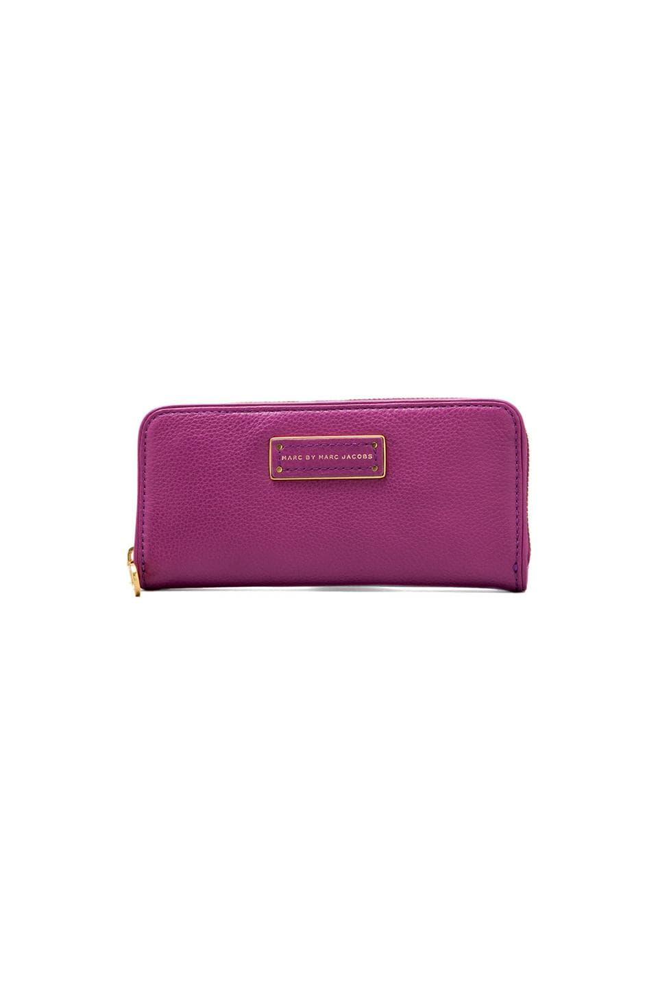 Marc by Marc Jacobs Too Hot to Handle Slim Zip Around in Brighter Purple