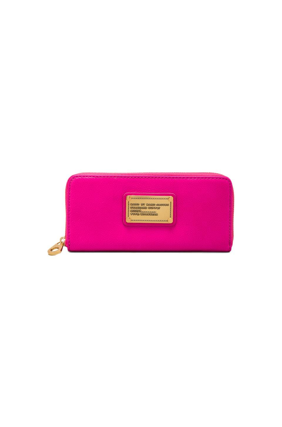 Marc by Marc Jacobs Classic Q Slim Zip Around in Pop Pink