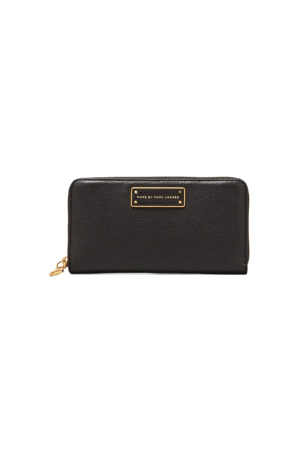 Marc by Marc Jacobs Too Hot to Handle Large Zip Around in Black