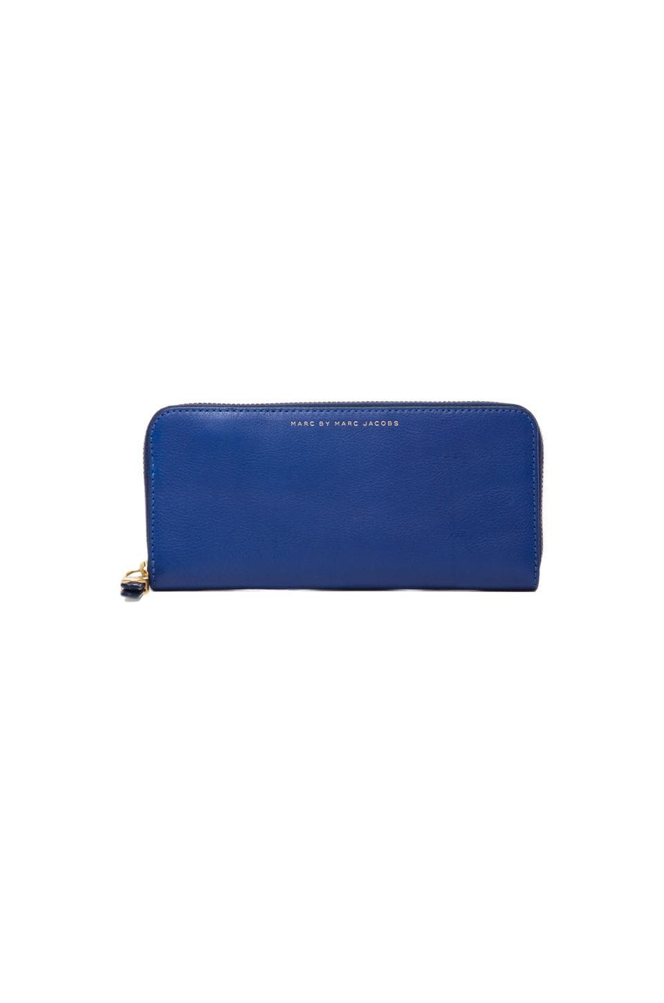 Marc by Marc Jacobs Globetrotter Slim Zip Around in Bright Royal