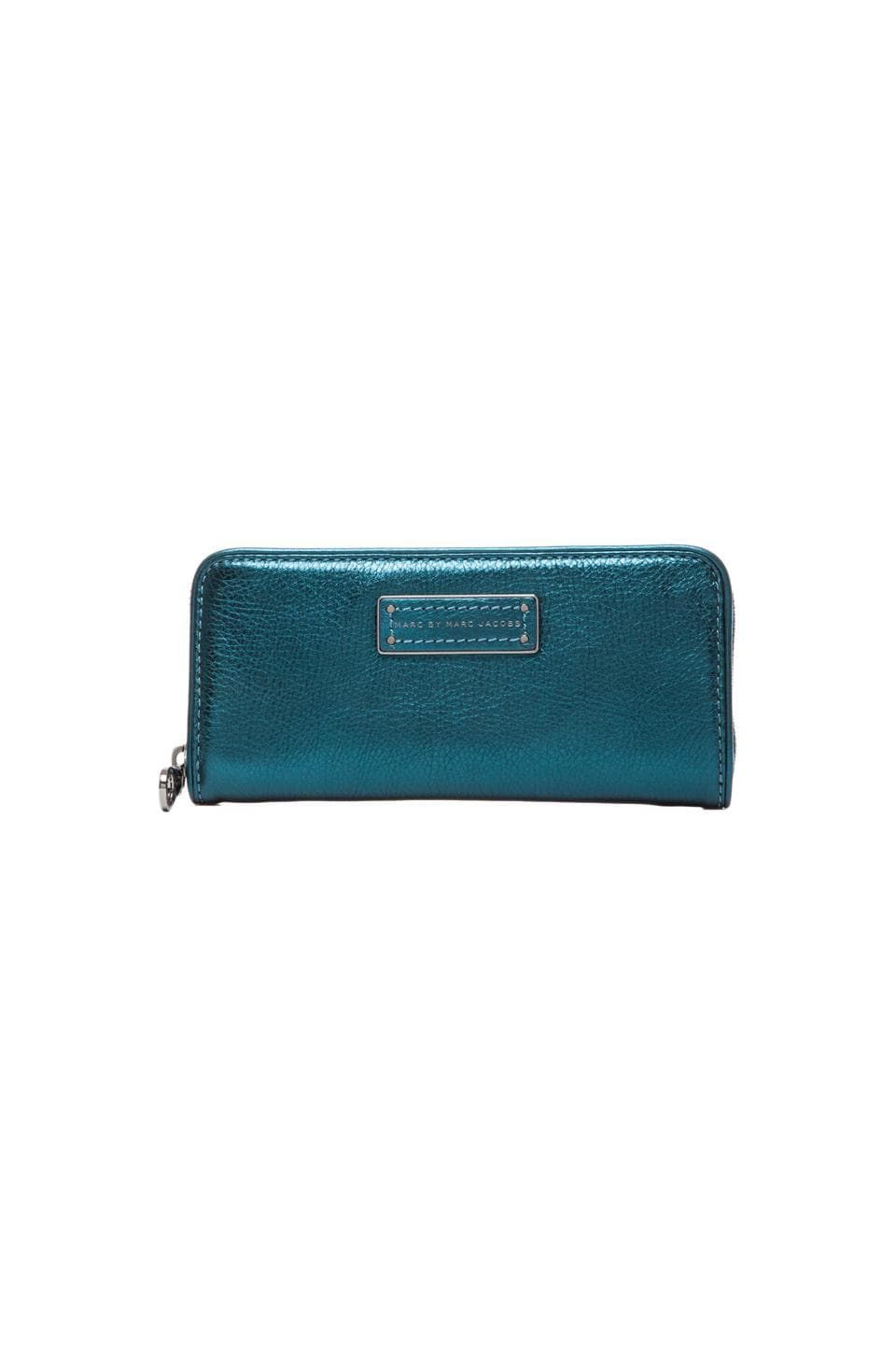 Marc by Marc Jacobs Too Hot to Handle Slim Zip Around in Metallic Blue