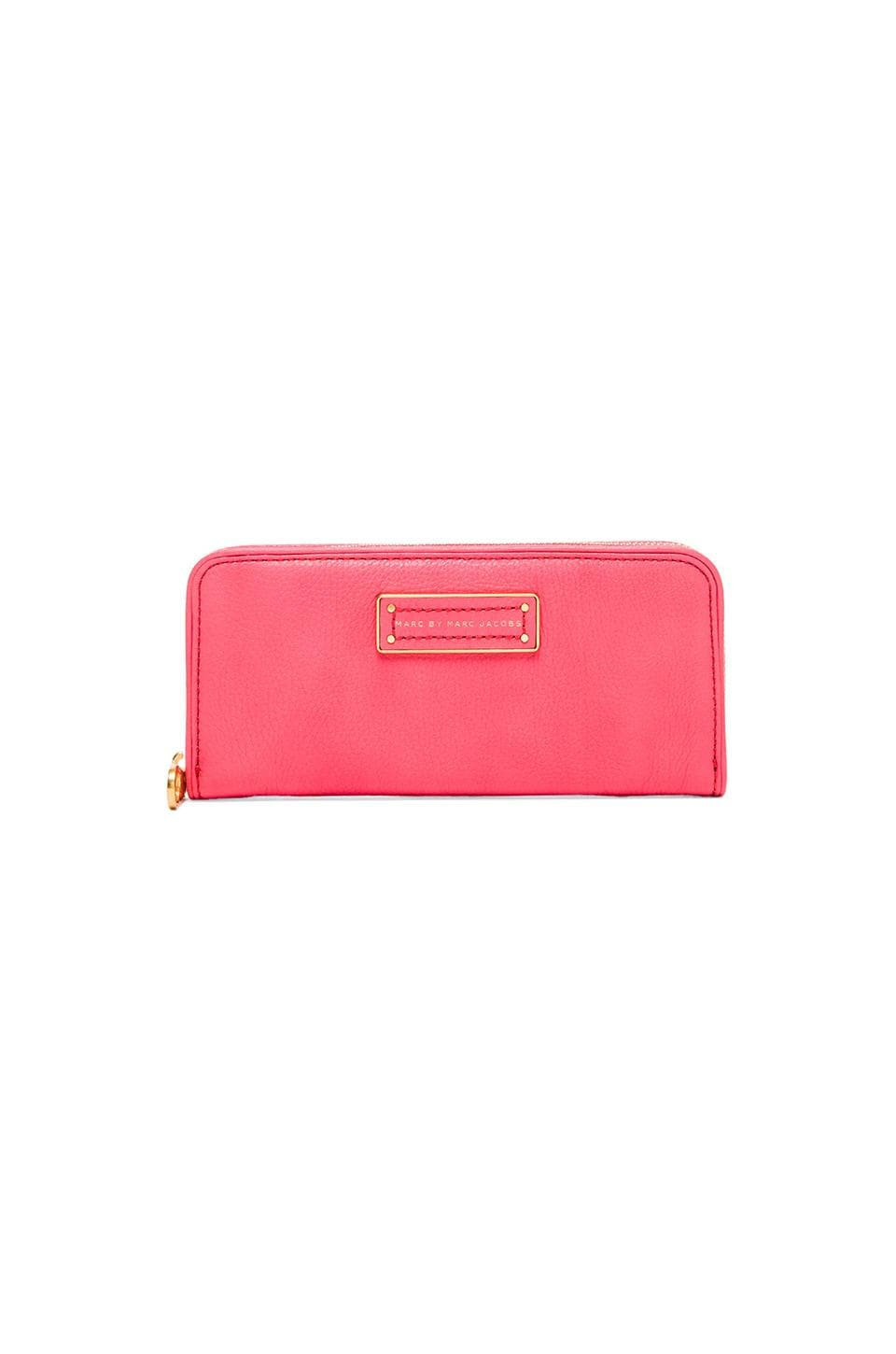 Marc by Marc Jacobs Too Hot to Handle Slim Zip Around in Bright Coral