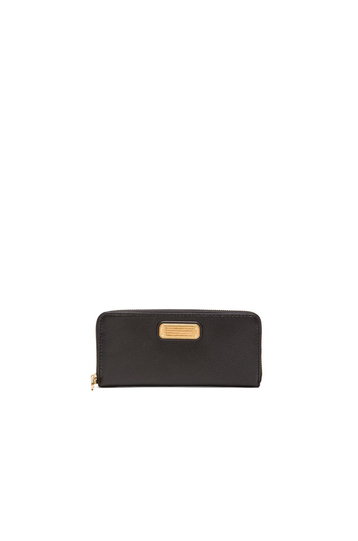 Marc by Marc Jacobs New Q Slim Zip Around Wallet in Black