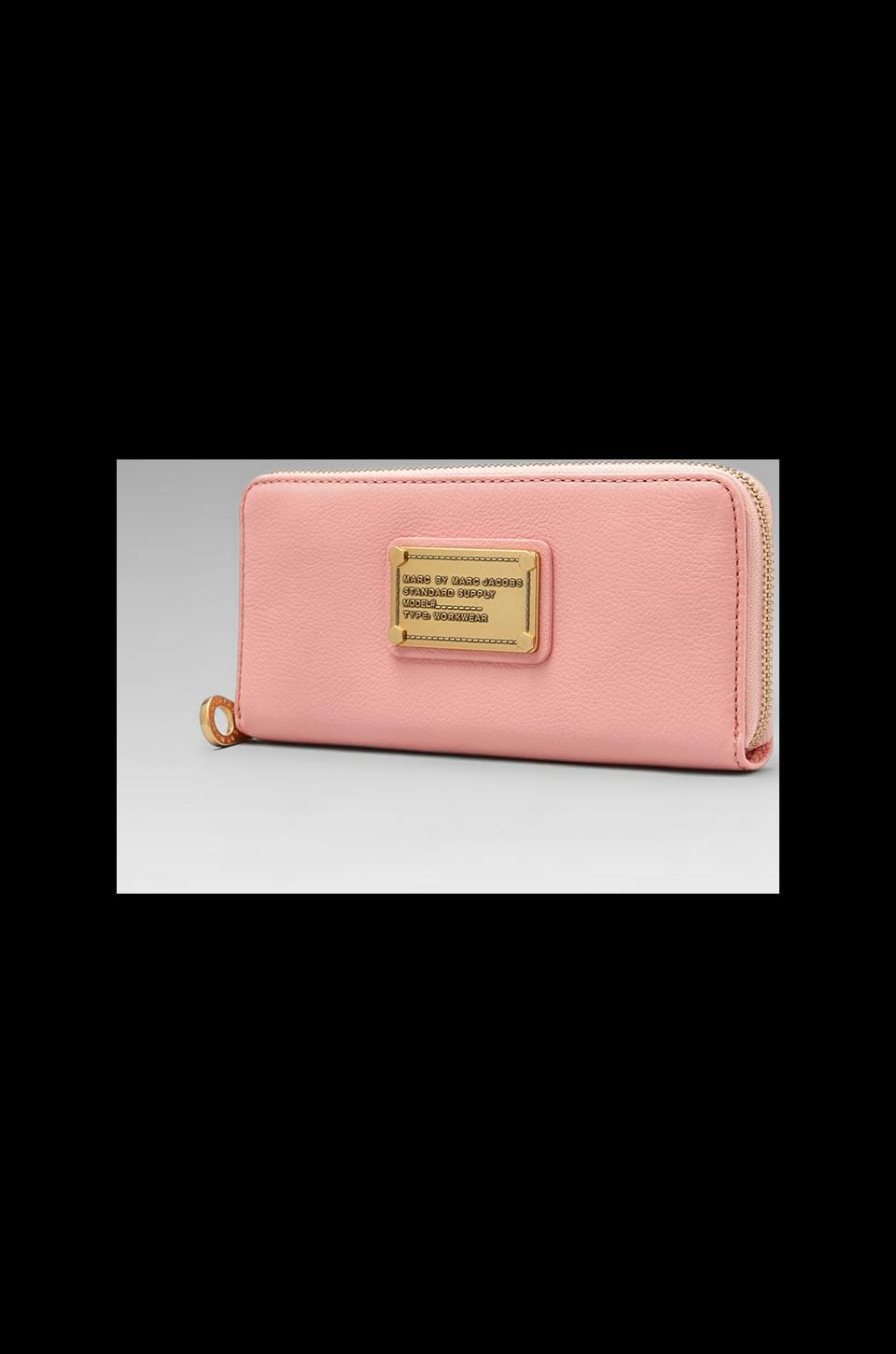 Marc by Marc Jacobs Classic Q Slim Zip Around in Apricot Rose