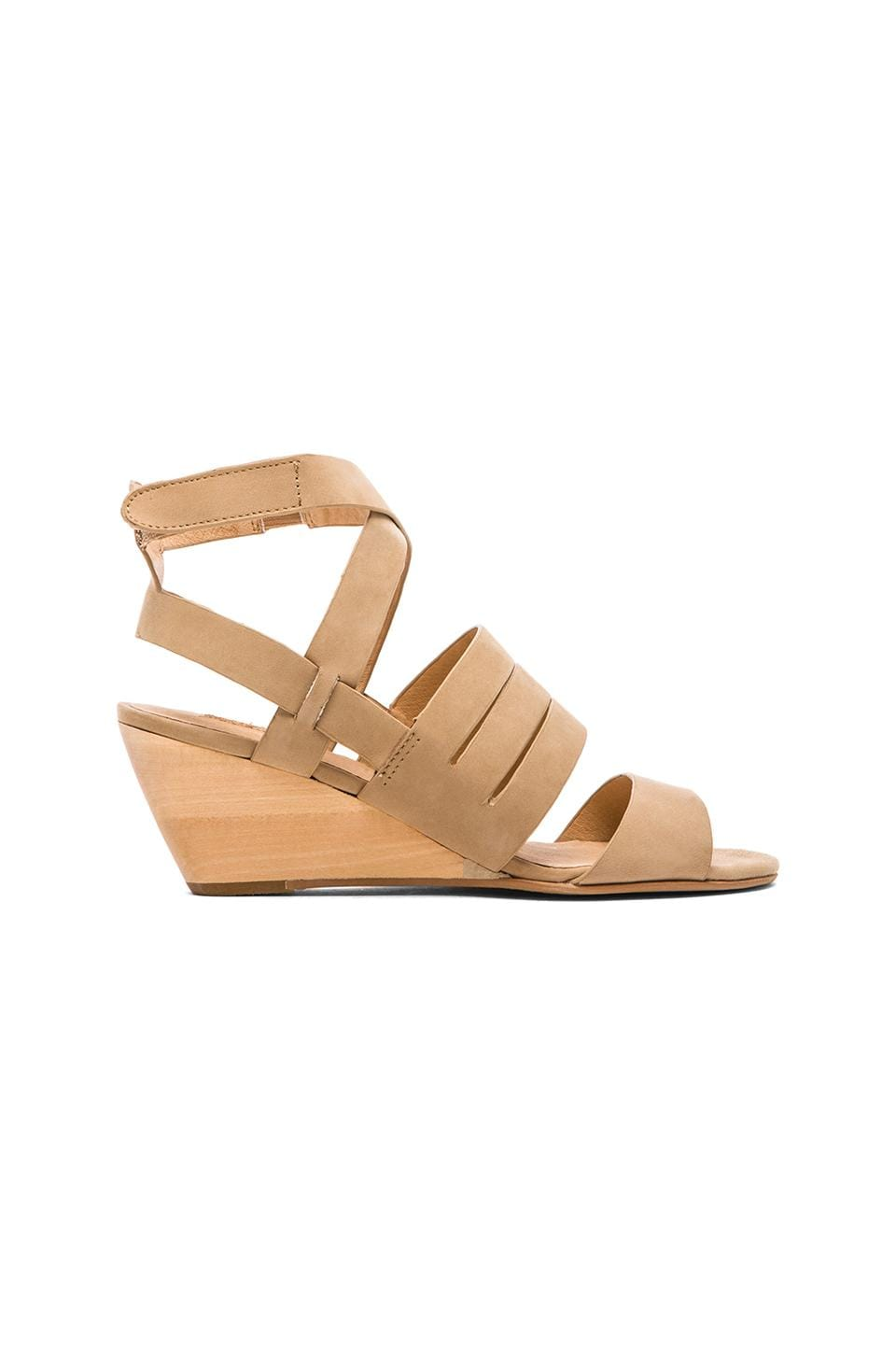 Matiko Ursina Wedge in Tan
