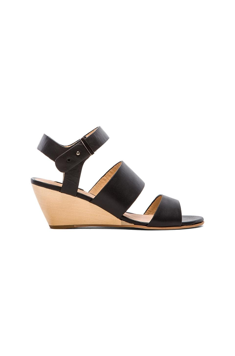 Matiko Lisbeth Sandal in Black