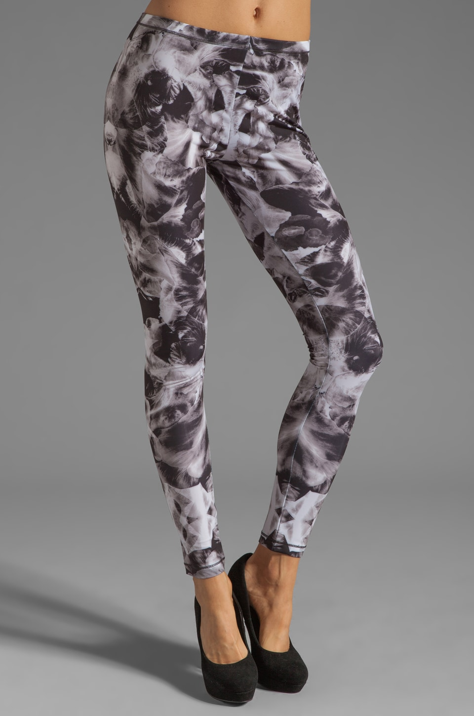 McQ Alexander McQueen Printed Leggings in Black/White