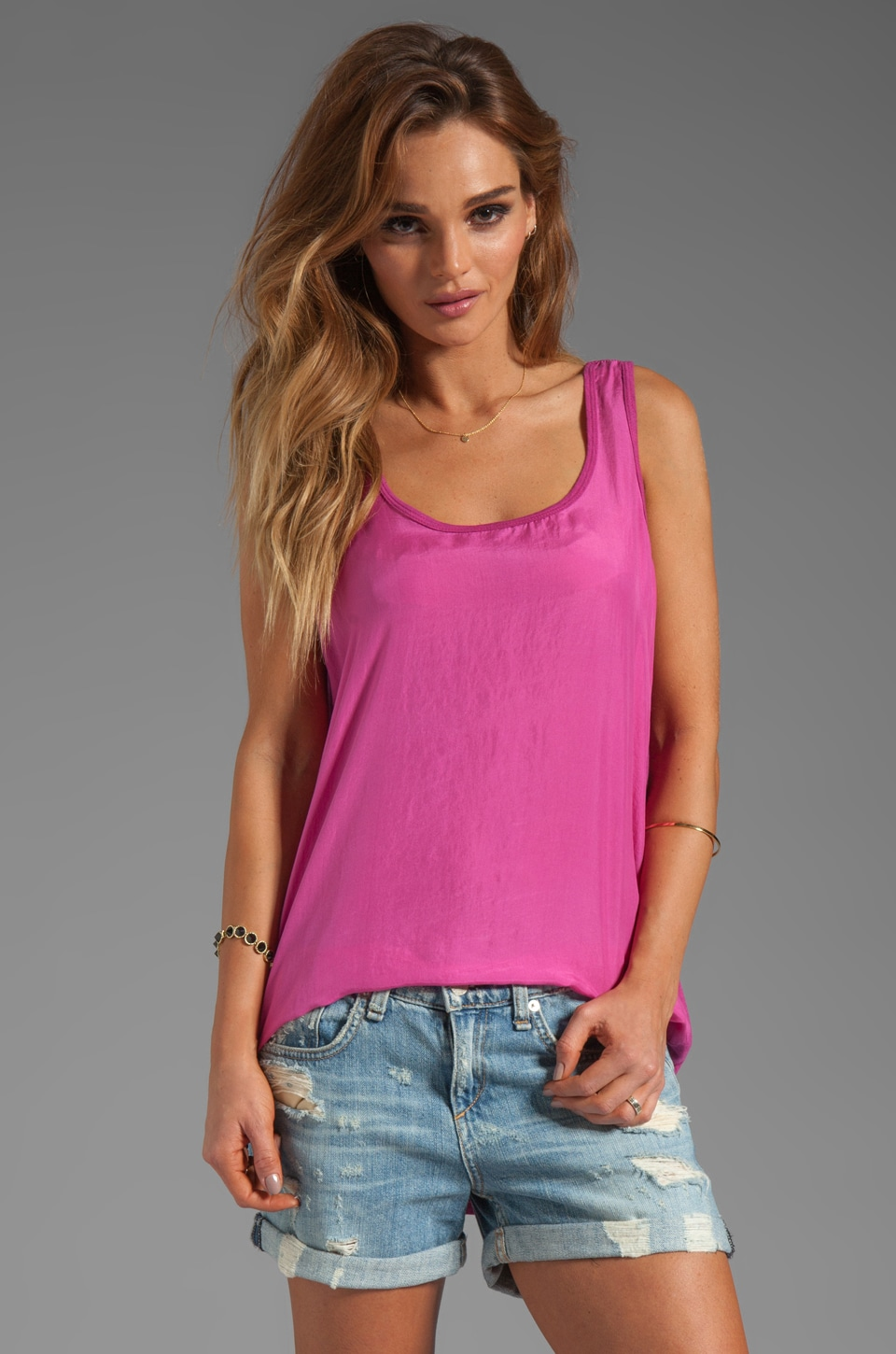 Michael Stars Sandwashed Silk Sleeveless Scoop Neck Hi-Low Tank in Calypso