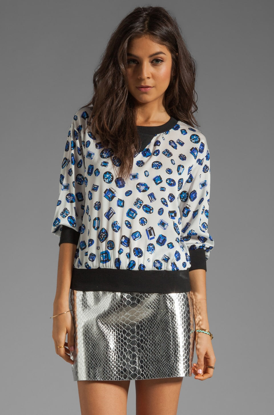 MILLY Jewel Print on Silk Stretch Georgette Sweatshirt en Lapis
