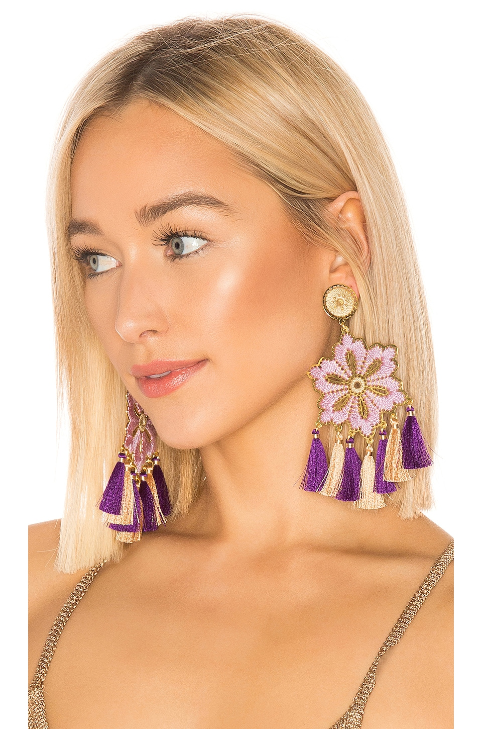 Mercedes Salazar Hibiscus Lila Earrings in Lilac