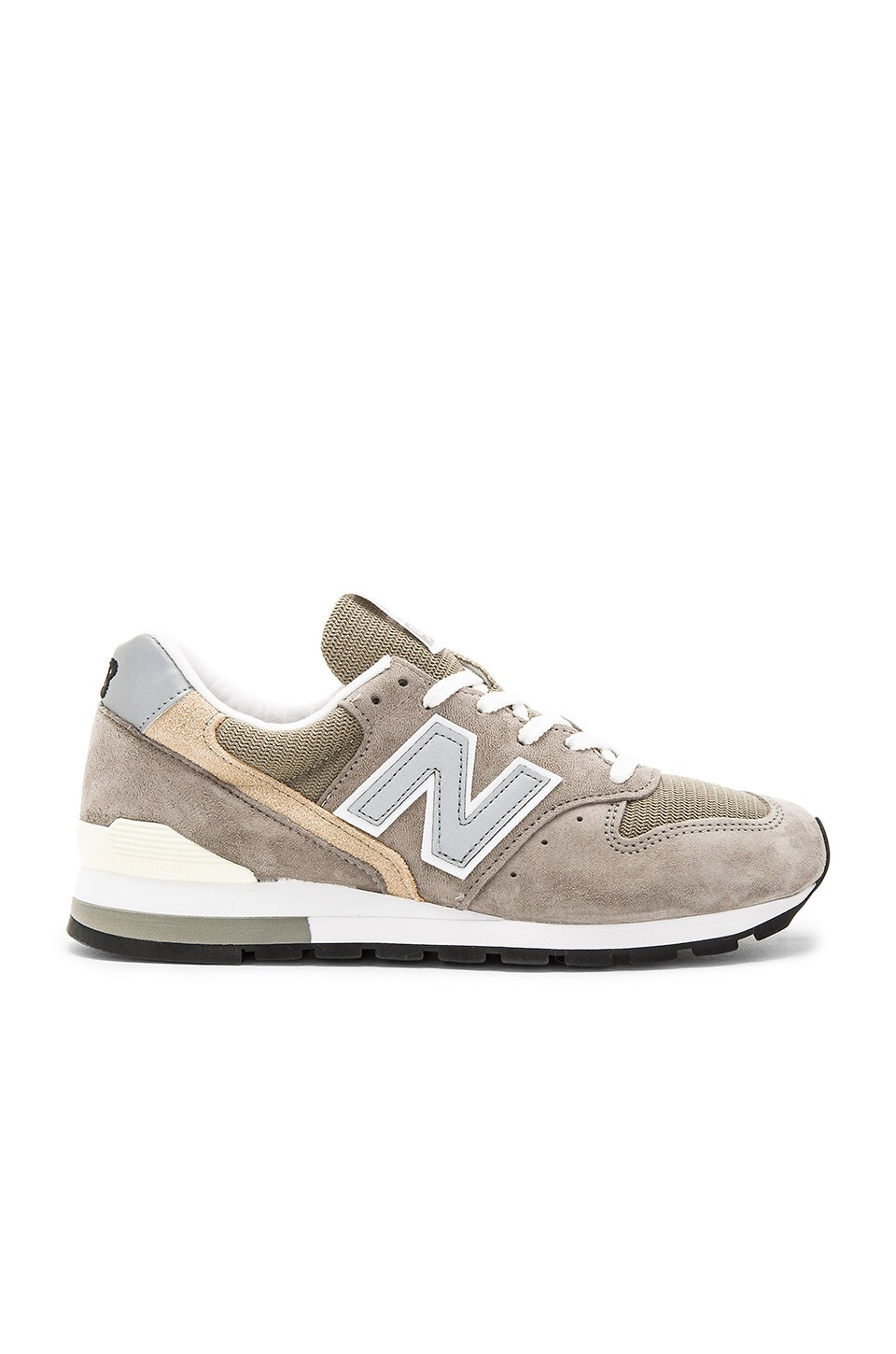 New Balance M996 in Grey