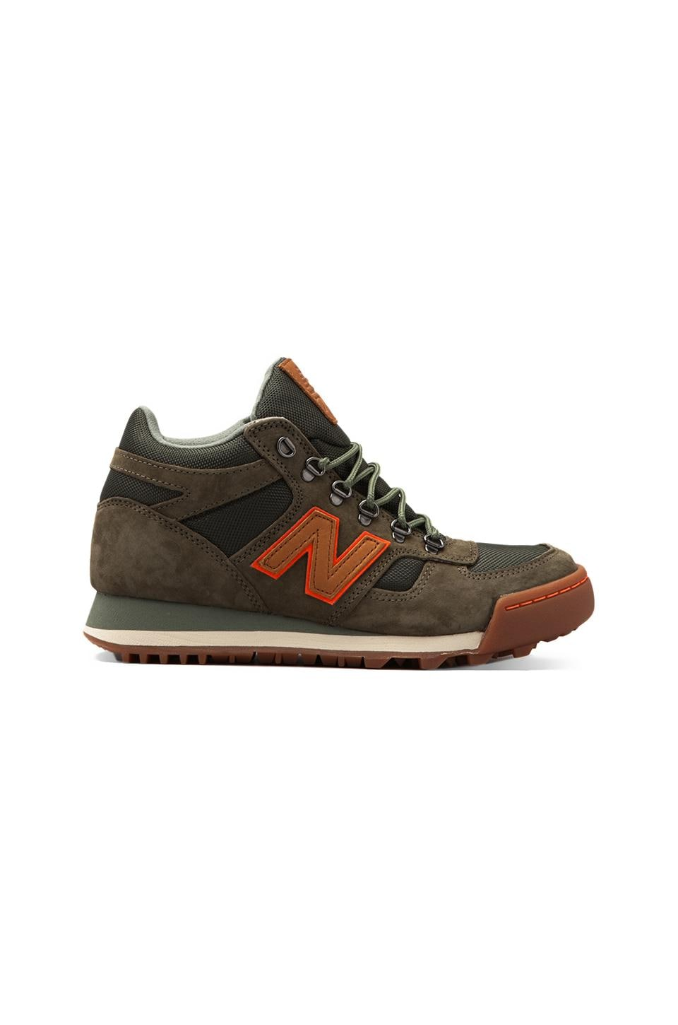 New Balance H710 in Green