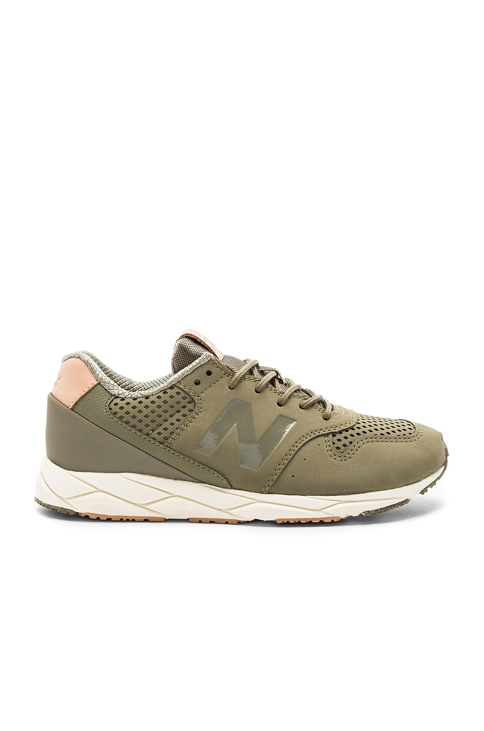 New Balance Mash Up Sneaker in Pike