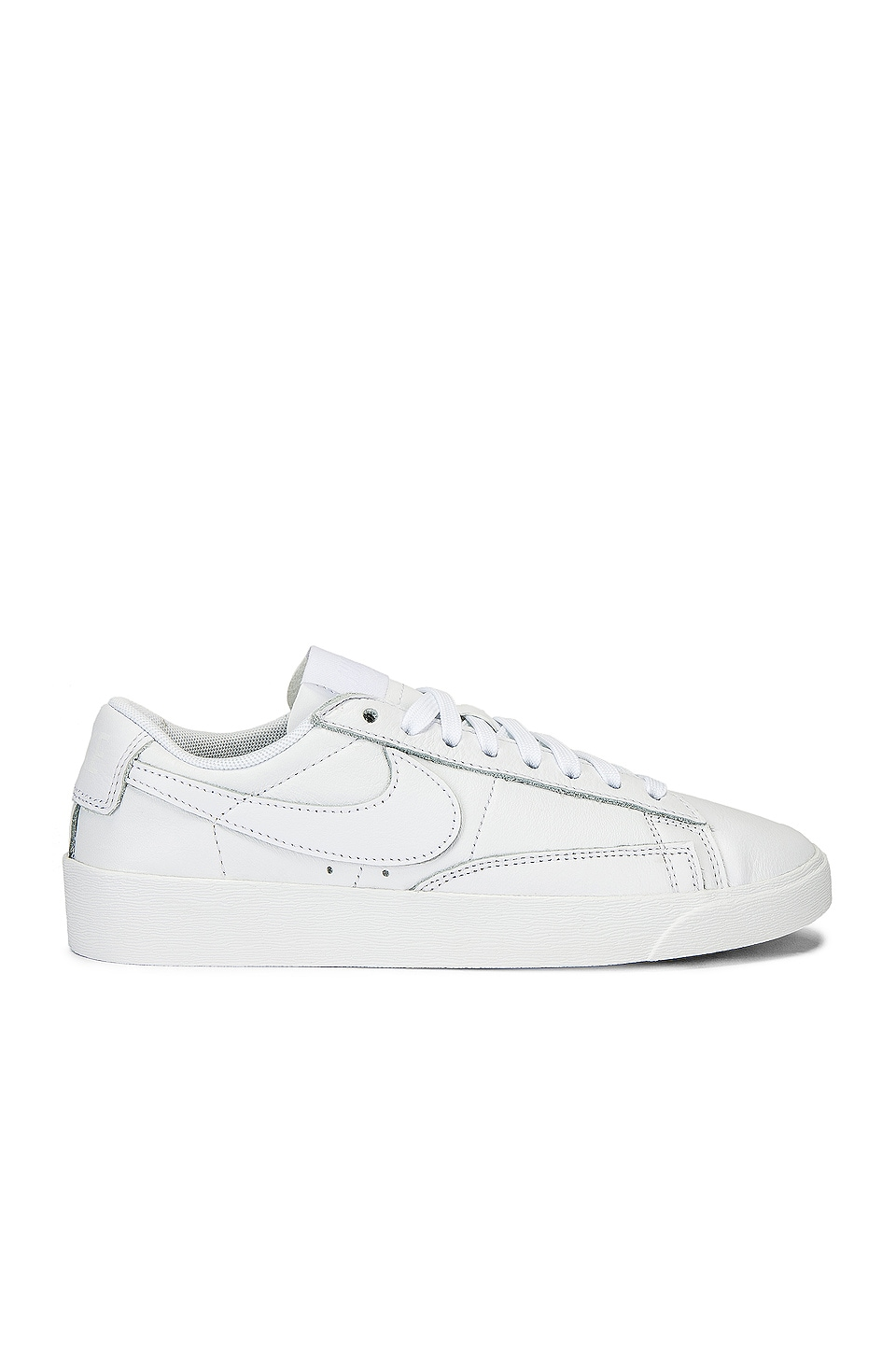 Nike Blazer Low LE Sneaker in White