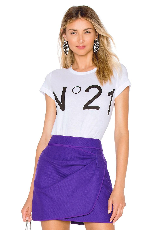 No. 21 Tee