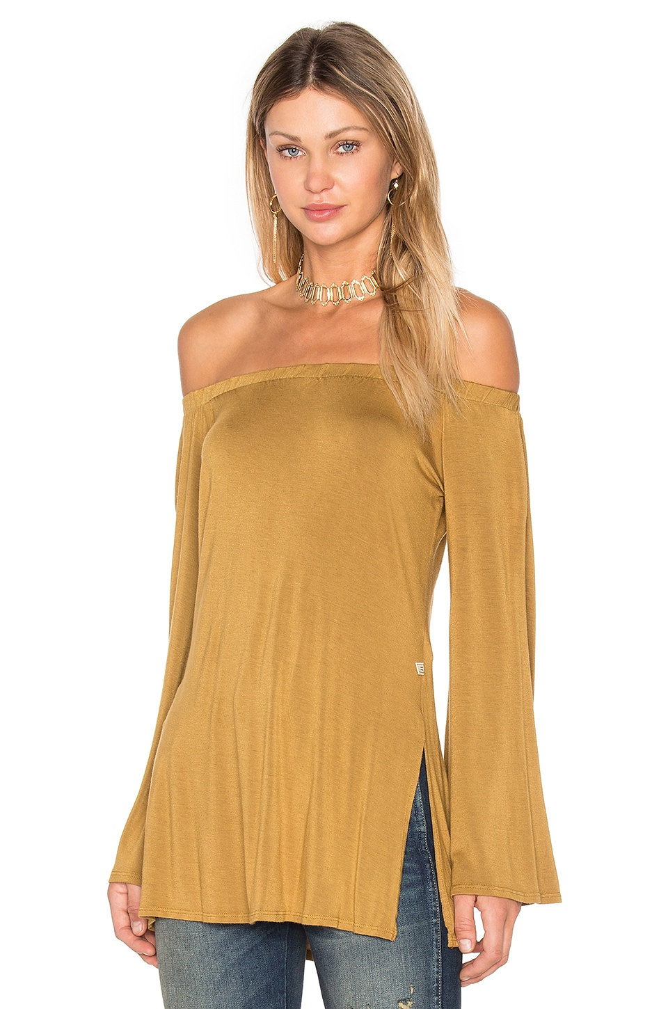 NYTT Off Shoulder Top in Gold
