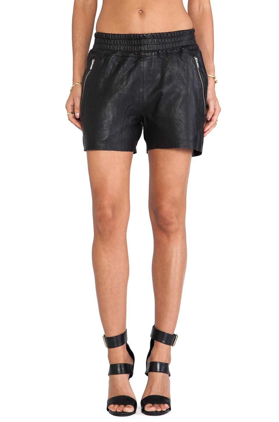 OAK Rider Short in Black