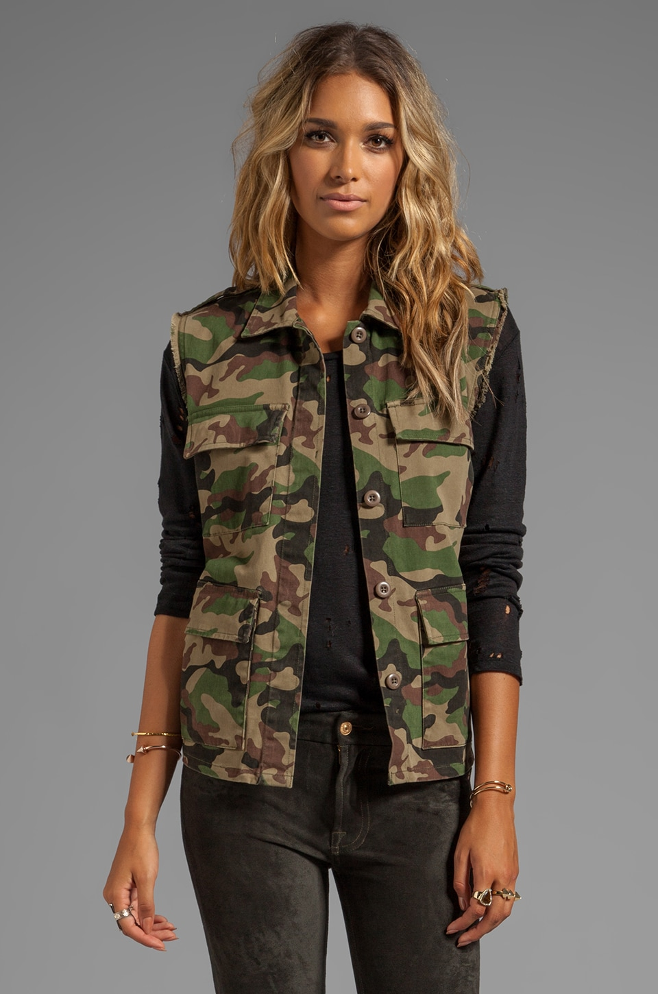 Obey Lerner Vest in Field Camo