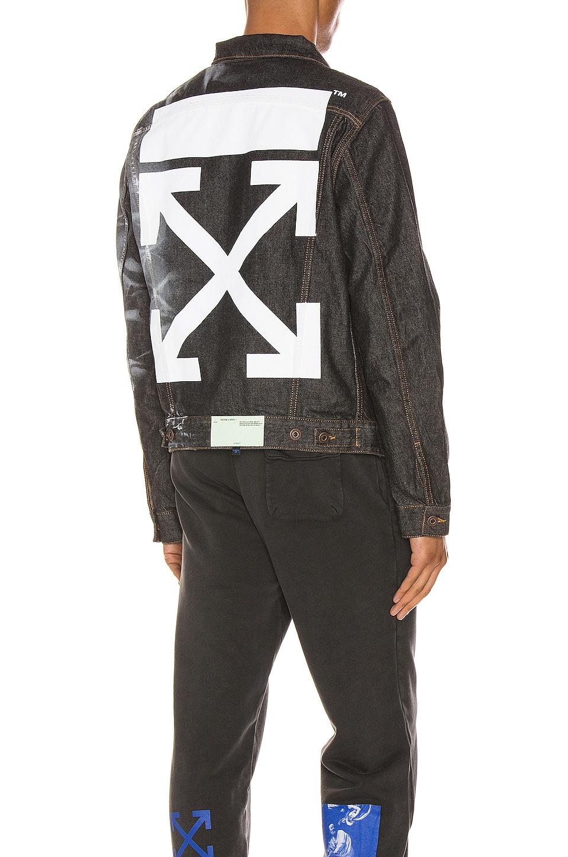 OFF-WHITE Arrow Slim Denim Jacket in Black