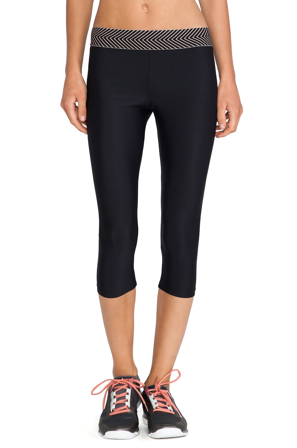 OLYMPIA Activewear Elis 3/4 Legging in Black