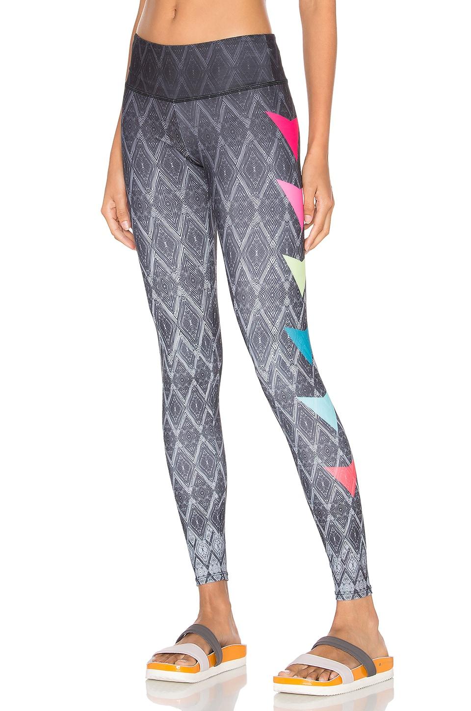 onzie Graphic Legging in Side Pop