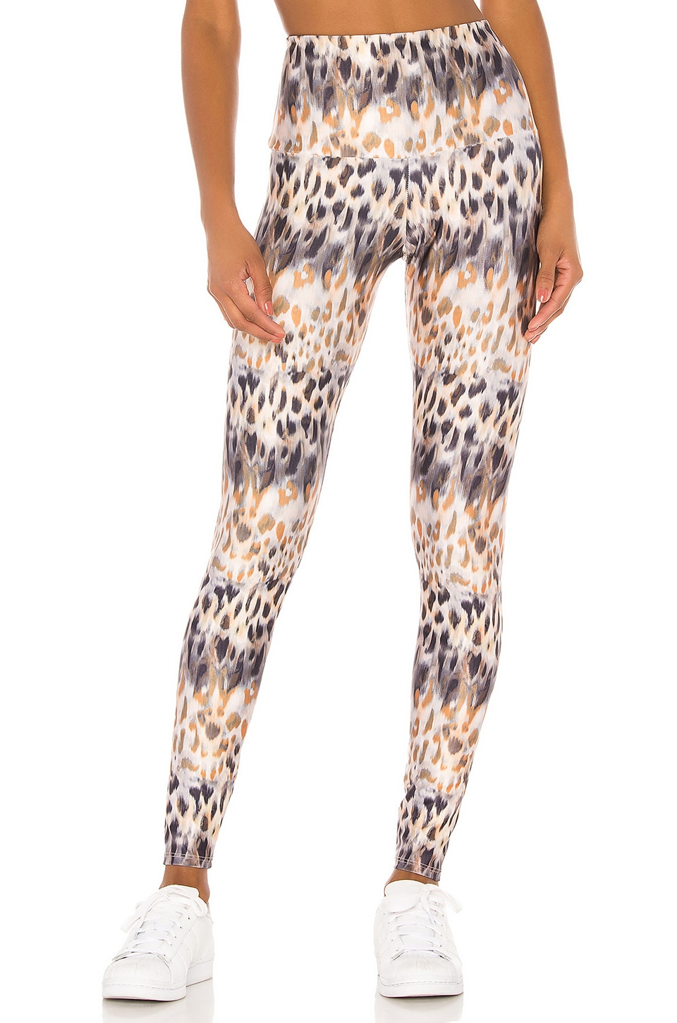 onzie Tech Legging in Safari