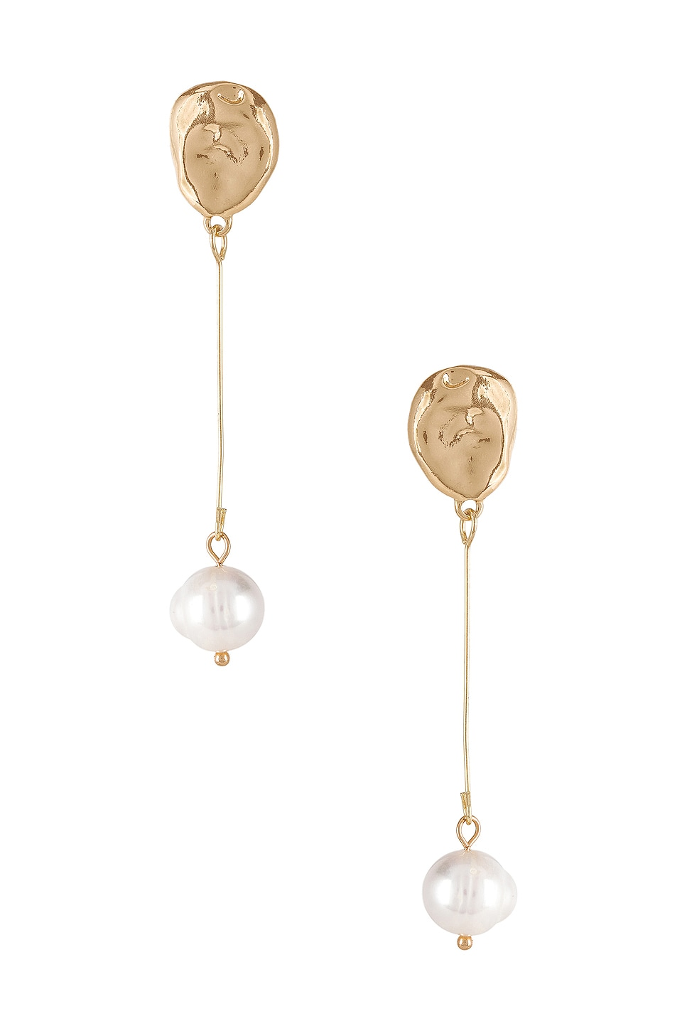 petit moments Kylie Earrings in Gold