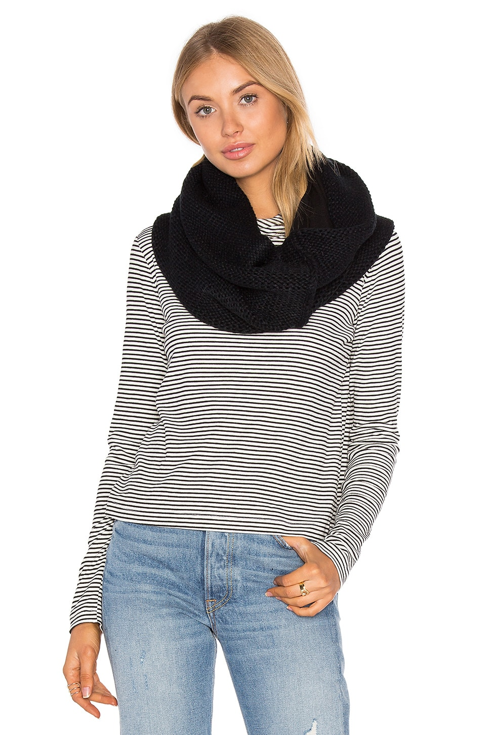 Plush Fleece Lined Chunky Knit Scarf in Black
