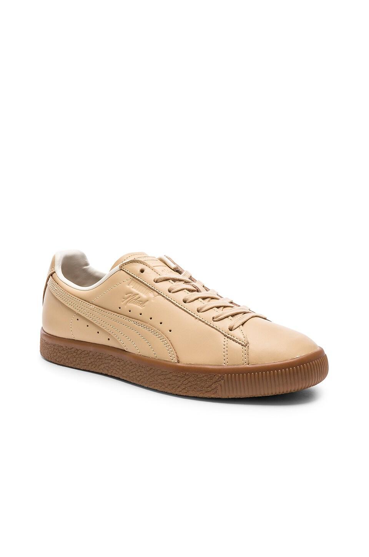 Puma Select x Naturel Clyde Veg Tan in