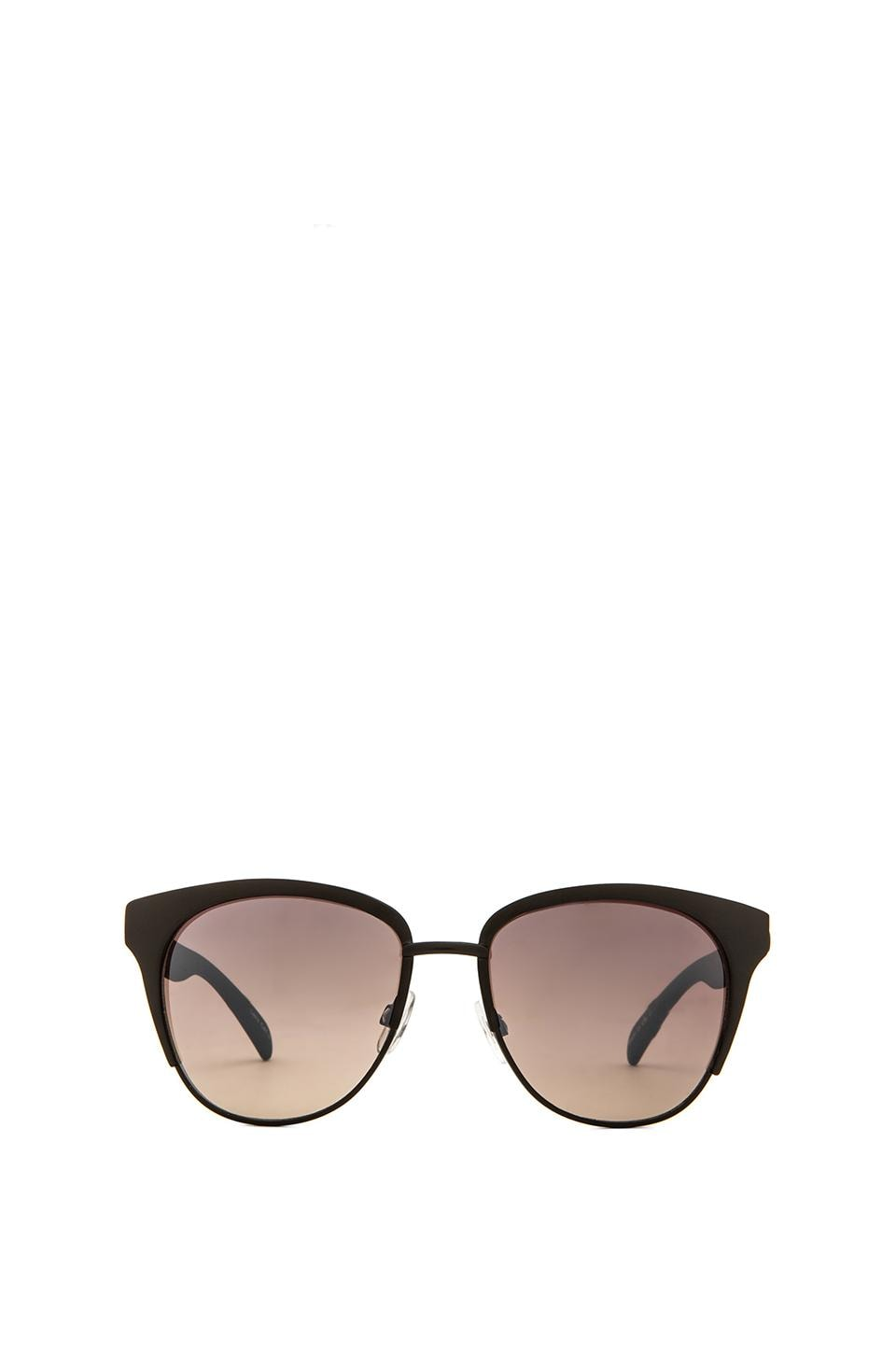 Quay Zoe Sunglasses in Black