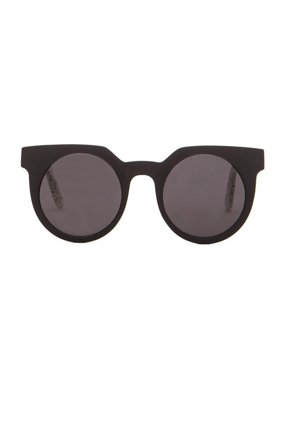 Quay Frankie Sunglasses in Black