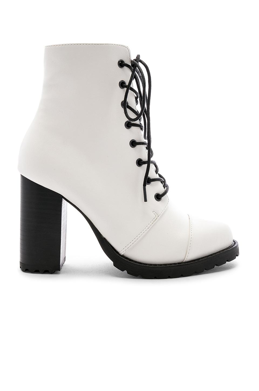 RAYE Myles Boot in White