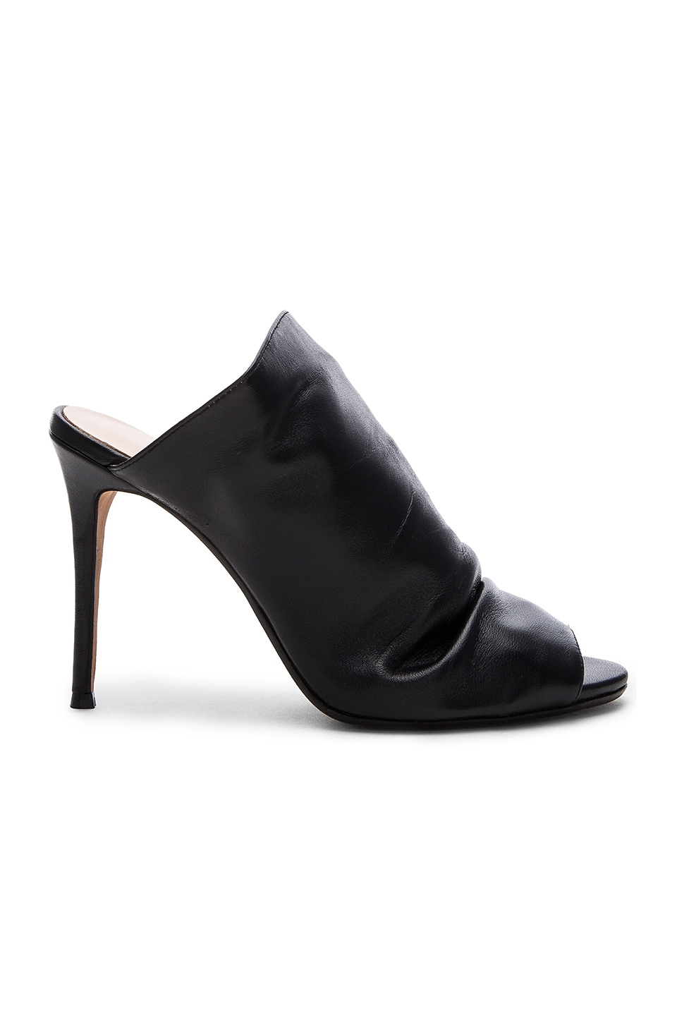 RAYE Banks Mule in Black