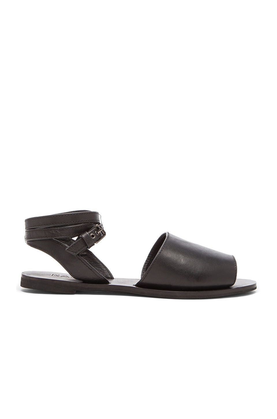 RAYE Savannah Flat in Black
