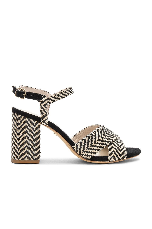 Dorado Sandal In Black. Dorado Sandale En Noir. - Size 8 (also In 6,6.5,9) Raye - Taille 8 (également En 6,6.5,9) Raye