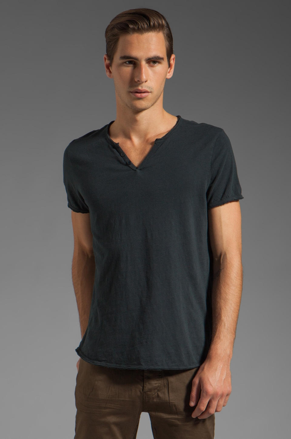 Rogue Short Sleeve Henley Tee in Navy