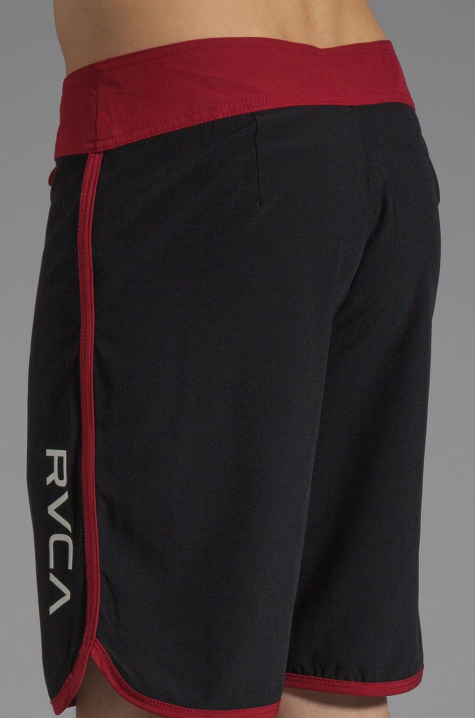 "RVCA Eastern 20"" Trunk in Black/Red Grease"