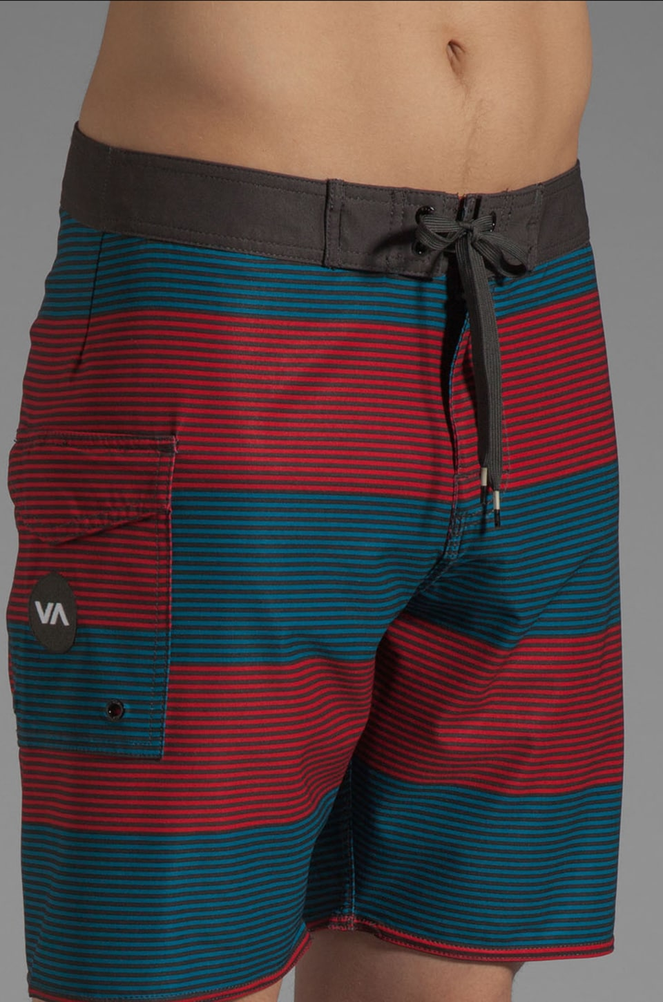 "RVCA Civil Stripe 18"" Trunk in Lava"