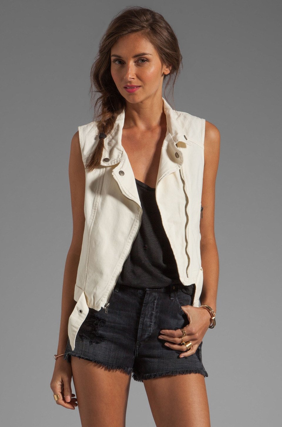 Sanctuary Sleeveless Moto Vest in Muslin